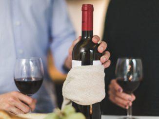 come servire il vino a tavola